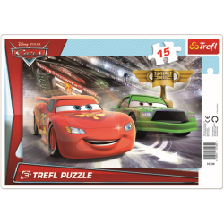 Framepuzzel 15 pcs - Race to win the cup / Disney Cars 2 - Legpuzzel