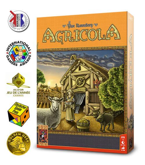 Deze nieuwe versie van Agricola bevat niet alleen de beste kaarten uit het originele spel, maar ook veel nieuwe. De houten fiches zijn vervangen door miniaturen en de tableaus zijn zeer praktisch vormgegeven.